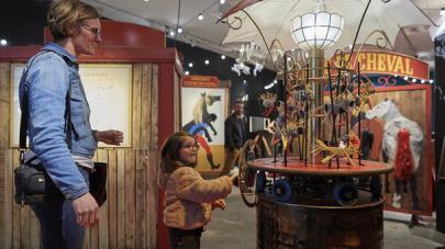 enfant jouant dans l'espace récréation au haras d'hennebont